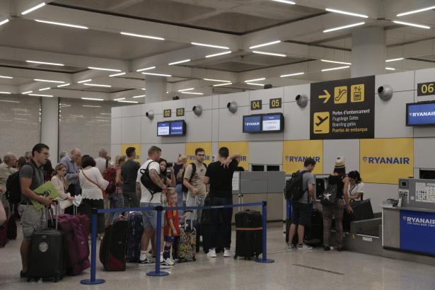Unter anderem bei der irischen Billig-Airline Ryanair soll es im September zu größeren Problemen kommen.