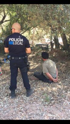 Der Mann bei seiner Festnahme.