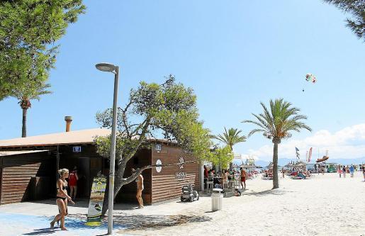 """Die Strandlokale am Westabschnitt der Playa de Alcúdia (Sektor 1) sollen nach dem Willen des Rathauses modernisiert werden. Das Foto zeigt den """"Balneario 1""""."""