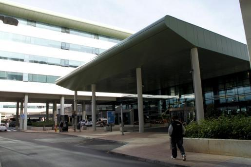 Der Unfall ereignete sich an einer automatischen Drehtüre des Universitätsklinikums Son Espases in Palma de Mallorca.