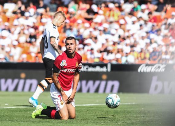 Sinnbildlich für das Spiel in Valencia: Real-Mallorca-Kicker Dani Rodríguez schaut recht frustriert.