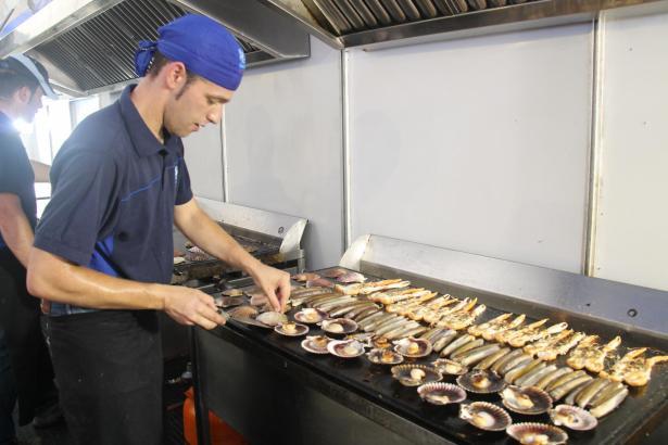Die Veranstalter erwarten, dass etwa 60 Tonnen Meeresfrüchte verzehrt werden.