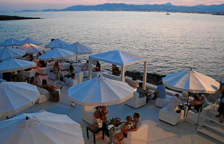 Beachclubs auf Mallorca sind Treffpunkte wohlhabender Menschen.
