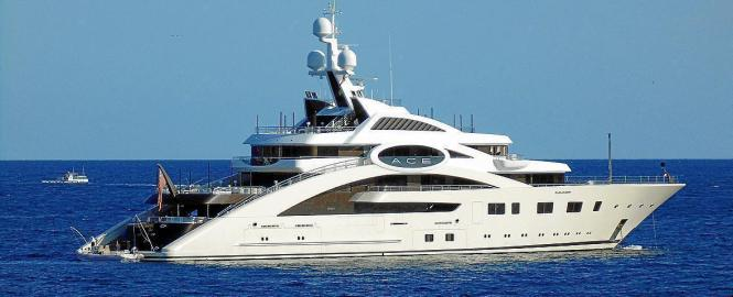 Das elegante Schiff wurde von Andrew Winch entworfen.