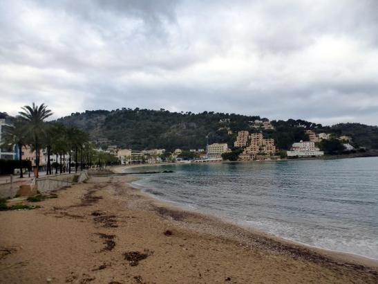 Wegen des Unwetters bleiben auf Mallorca einige Strände und Parks vorerst geschlossen.