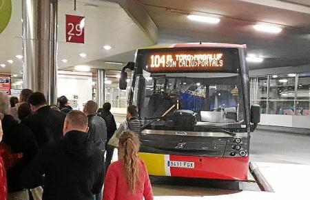TIB-Bus im Busbahnhof von Palma.