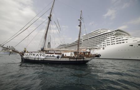 Die Plattform gegen Megakreuzfahrtschiffe protestierte am Dienstag im Hafen.