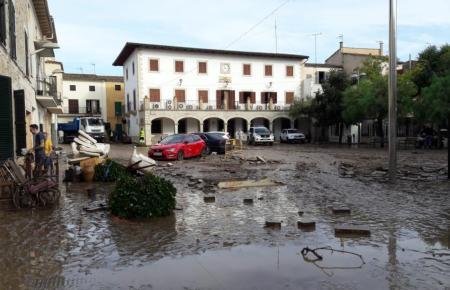 Der Rathausplatz von Sant Llorenç vor knapp einem Jahr.