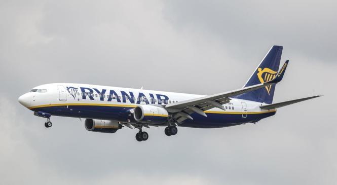 Ryanair-Flieger bei der Landung in Palma de Mallorca.