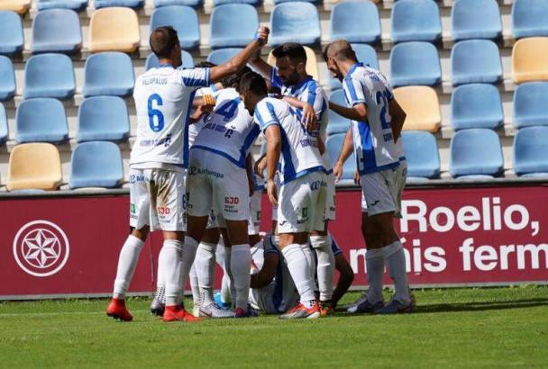 Erleichterter Jubel: Die Atlético-Baleares-Spieler feiern das 1:0.