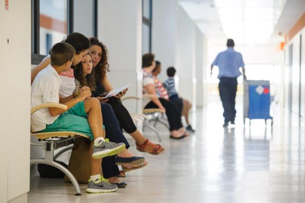 Patienten auf Mallorca warten teils mehr als zwei Monate auf einen Termin bei einem Spezialisten. Die Zahl ist in diesem Jahr sogar drastisch angestiegen.