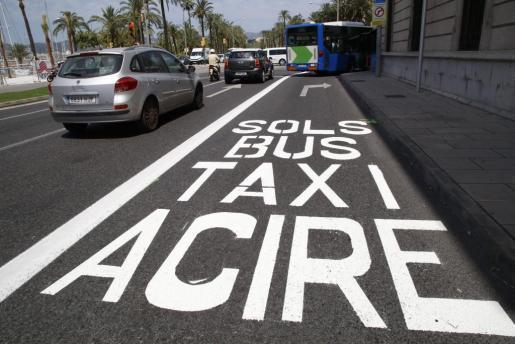 In ACIRE-Zonen dürfen nur autorisierte Anwohner und Zulieferer einfahren sowie Busse, Taxis, Rad-, Moped- und Motorradfahrer.