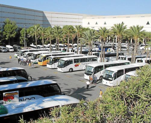 Auch die Transportunternehmen auf den Balearen wollen ihren Mitarbeiterstab in diesem Jahr früher als gewohnt reduzieren.