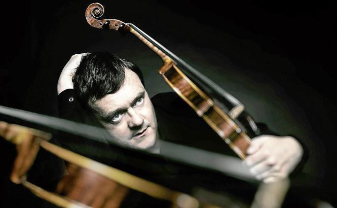 "Frank Peter Zimmermann mit der Stradivari ""Lady Inchiquin""."