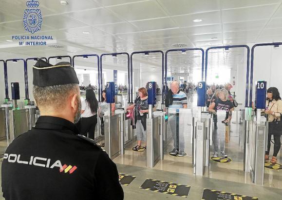Automatische Passkontrolle am Flughafen von Palma.