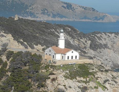 Der Leuchtturm von Cala Rajada.