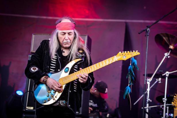 Der frühere Scorpions-Gitarrist Uli Jon Roth wird am Donnerstag bei Full Metal Holiday auftreten.
