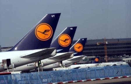 Lufthansa-Jets auf dem Münchner Airport.