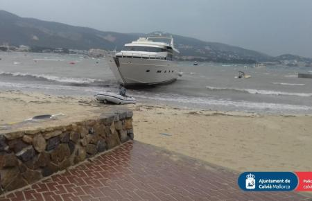 So sieht sie aus, die seit Monaten verlassene Yacht.