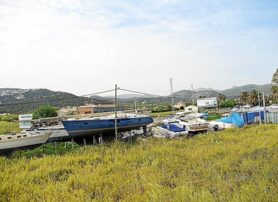 Wer nach Port d'Andratx fährt, kann die Trockenstellplätze sehen.