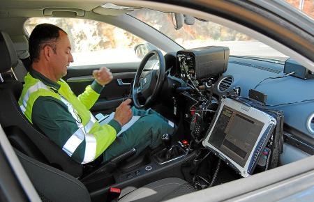 Die Polizei auf Mallorca macht auch mit mobilen Radarfallen Jagd auf Raser.