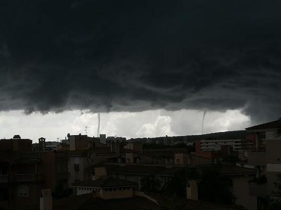 Dunkle Wolken über Palma.