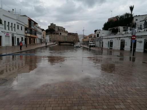 Das übervolle Hafenbecken von Ciutadella am Mittwochmorgen.