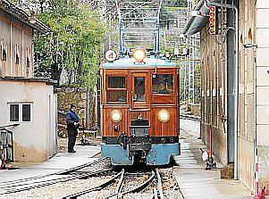 Der Sóller-Zug ist besonders bei Urlaubern beliebt.