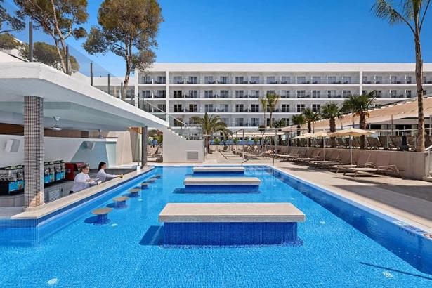 Das Riu-Playa-Park-Hotel an der Playa de Palma.