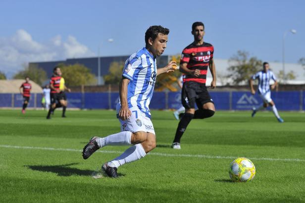 David Haro im Vorwärtsgang. Der Stürmer traf gegen Internacional de Madrid zum 2:1-Zwischenstand für Atlético Baleares.
