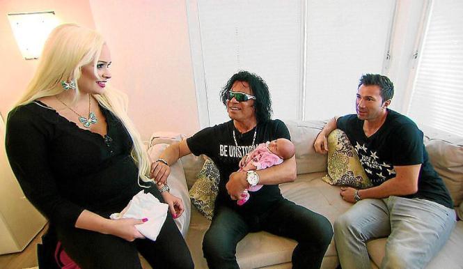 Aufnahme aus vergangenen Tagen: Daniela Katzenberger (von links) mit Costa und Lucas Cordalis sowie ihrer Tochter als Säugling.
