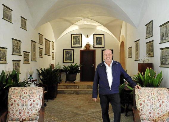 Itinerem-Geschäftsführer Diego Zaforteza in der Eingangshalle von Sa Coma.