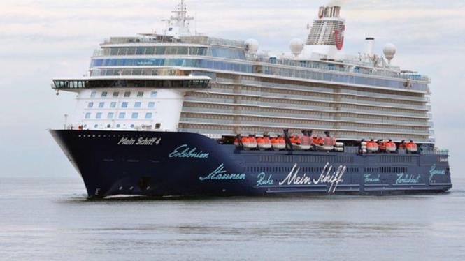 """Voluminös und elegant: """"Mein Schiff 4""""."""