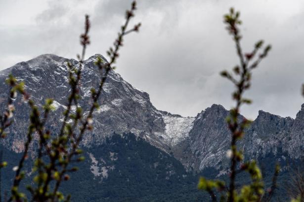 Archivbild von der verschneiten Serra de Tramuntana.