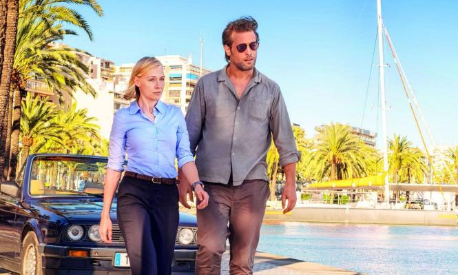 Elen Rhys und Julian Looman spielen die Hauptrollen in der neuen Serie, in der Mallorcas Schönheit gut zur Geltung kommen soll.