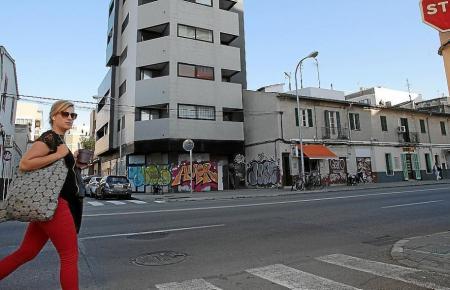 Blick auf ein zeitweise besetztes Wohngebäude in Palma.