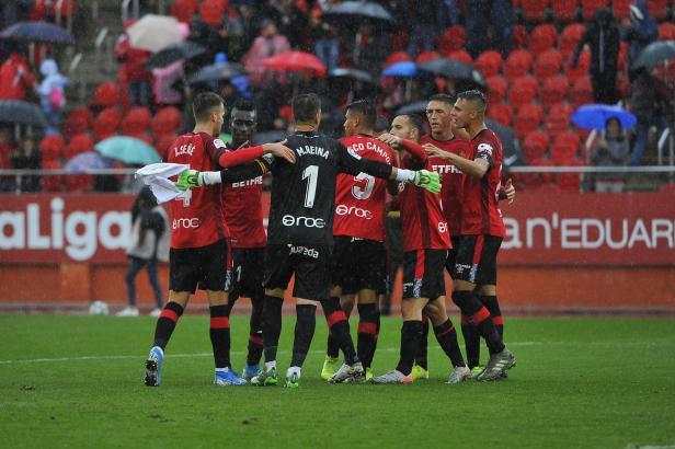 Hier bejubeln die Kicker von Real Mallorca ihren Sieg.