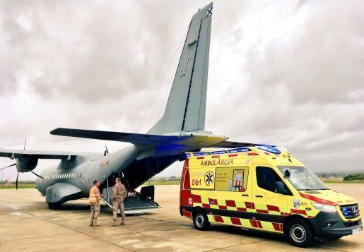 Mit diesem Flugzeug wurde das Kind nach Barcelona gebracht.