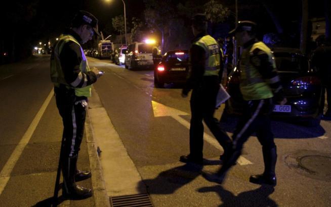 Polizisten im Nachteinsatz auf Mallorca.