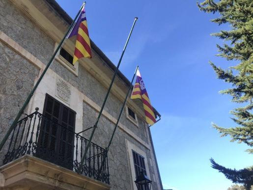 Fahnenstange ohne Fahne in Escorca.