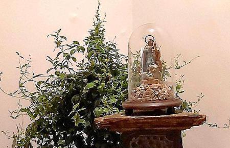 Heiligenfigur im Kloster.