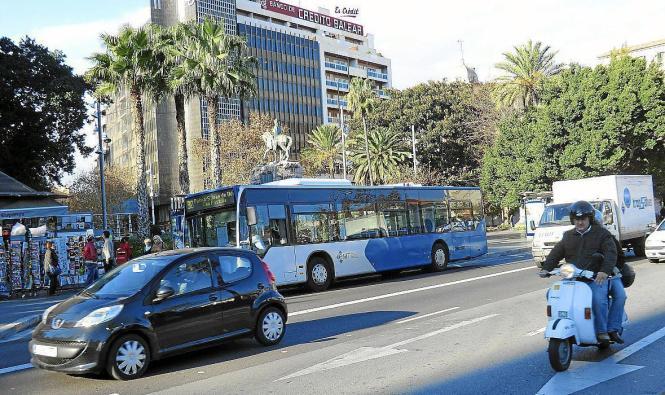 Stadtbus im Einsatz in Palma.