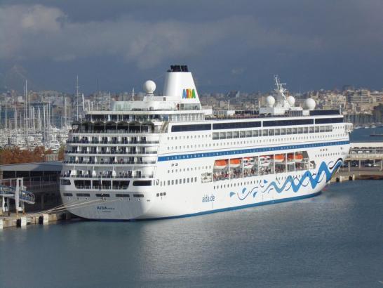 Dass die Aida-Mira so lange im Hafen von Palma bleiben würde, war nicht abzusehen.