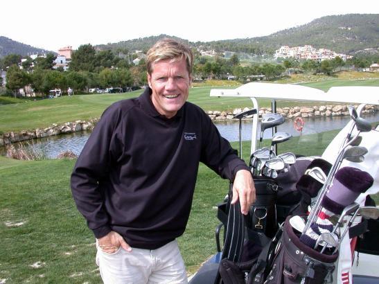 Dieter Bohlen auf einem Golfplatz auf Mallorca.