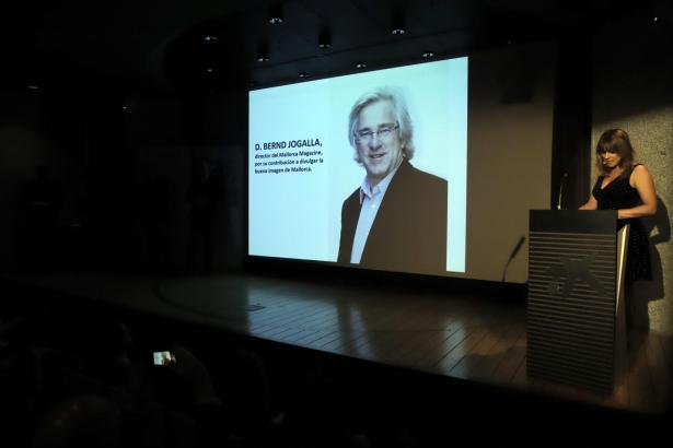 Bernd Jogalla wurde posthum mit dem Verdienstorden des Fremdenverkehrsverbandes ausgezeichnet.