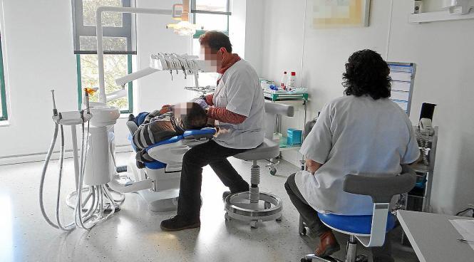 Archivfoto: Beispielhafte Zahnarztpraxis