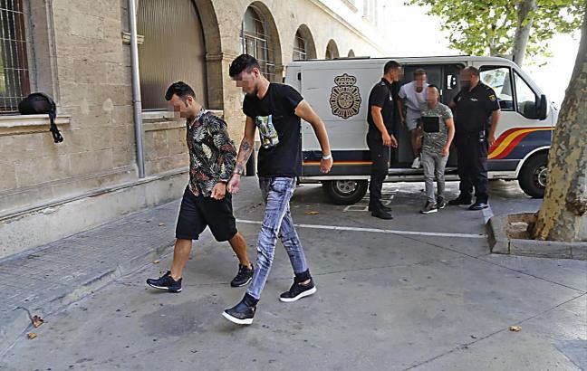 Die beiden Italiener werden verdächtigt, im August dem balearischen Generalstaatsanwalt Bartomeu Barceló eine Rolex vom Arm gestohlen zu haben.