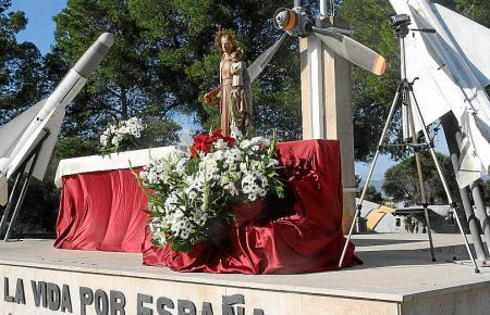 """Die Statue der """"virgen""""."""