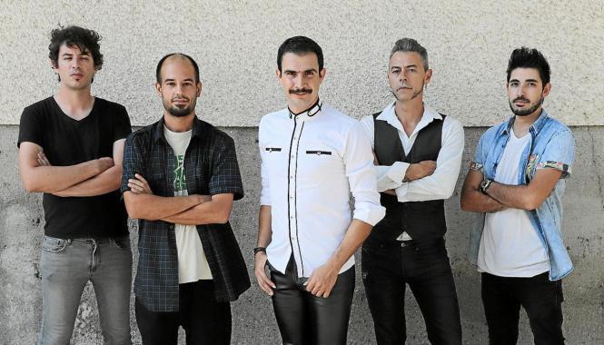 """Los Bravos"" 2020: Sergi Tomás (Schlagzeug), Marc Grimalt (Bass), Joan Prohens (Gitarre), Jaime Amengual (Piano) und Sänger Bruce Game."