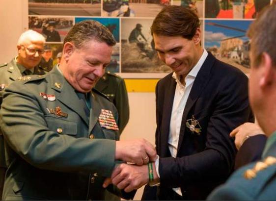 Rafael Nadal zu Gast bei der Guardia Civil.